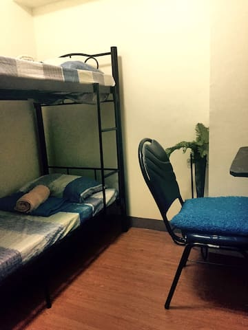Affordable Room (with AC) - Manila - Huoneisto