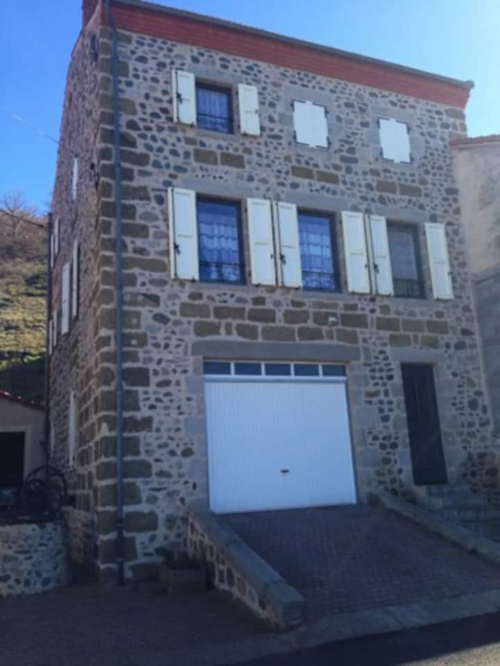Belle maison au calme à Langeac.