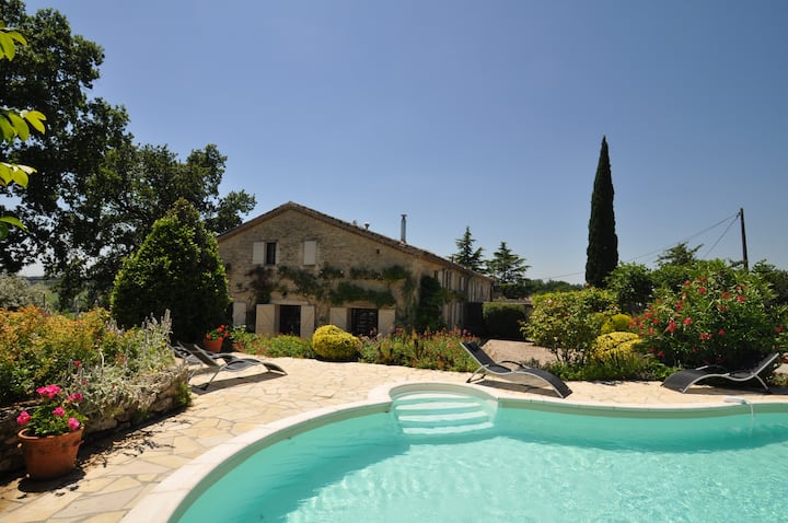 Charming farmhouse, private pool and great views.