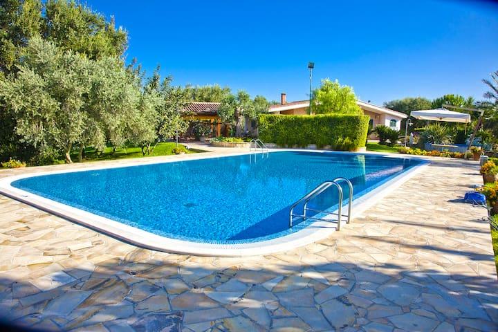 12-14 pers. in Villa con piscina 10Km da Gallipoli - Gallipoli - Apartment
