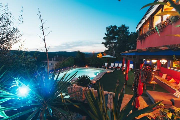 Entre Olivos: Very Charming Villa