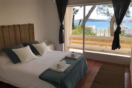 NICE ROOM WITH AMAZING VIEW  only 5 Min. to beach