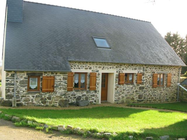 Maison à la campagne - Lopérec - Hus