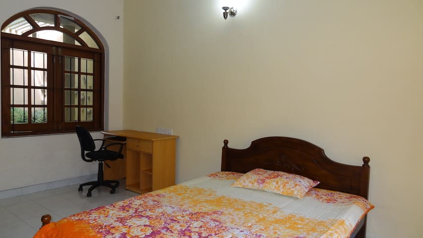 Charming  room, Courtyard view - Sri Jayawardenepura Kotte