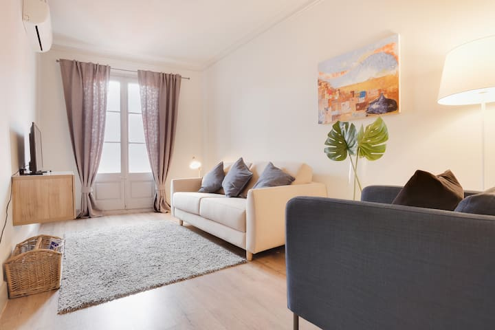 Modern 3-Bed with balcony in Lesseps