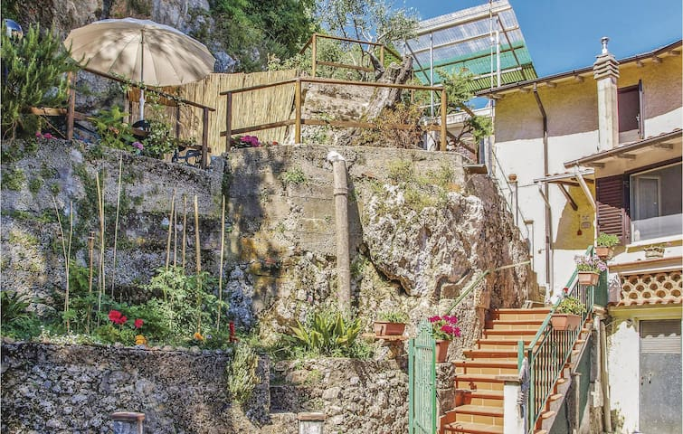 Terraced house with 3 bedrooms on 70m² in Casoli - Camaiore LU