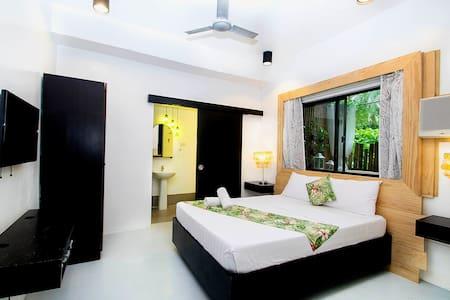 Eco-Friendly Room Near White Beach Station 1 - Malay