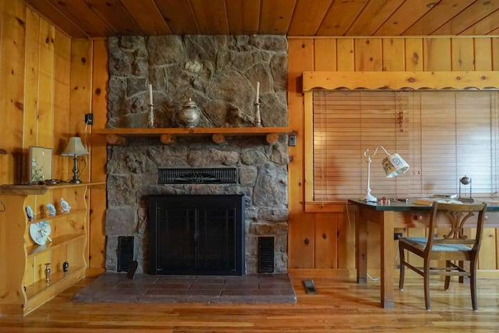 cozy home in the foothills btwn RMNP & Ft Collins