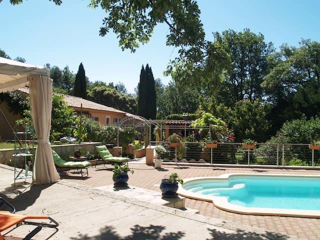 la villa lou soleou - La Roquebrussanne