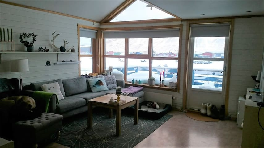 A lovely house close to the town center - Longyearbyen