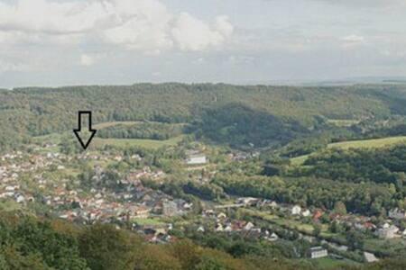 Große Ferienwohnung mit phantastischer Aussicht - Bollendorf - Apartamento