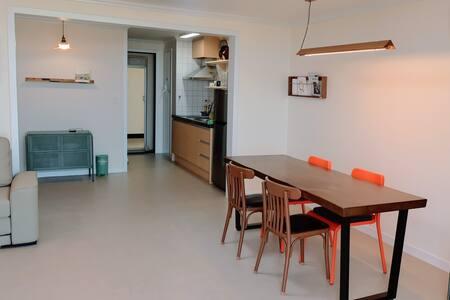 Yeondang House-minimal stay 연당하우스 미니멀 스테이