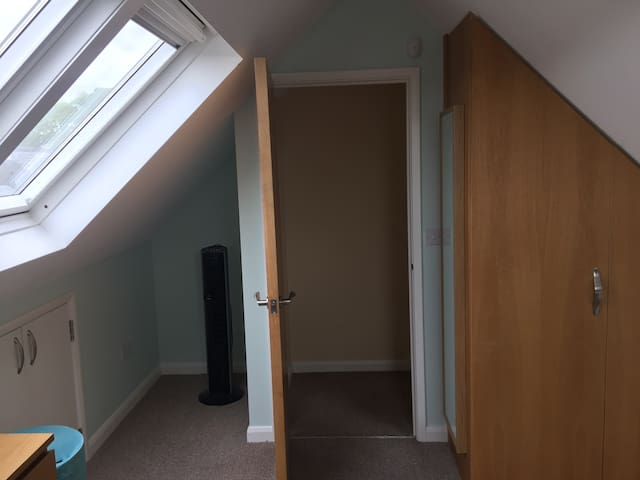 Apartment sleeps four, perfect location - Cardiff - Apartment