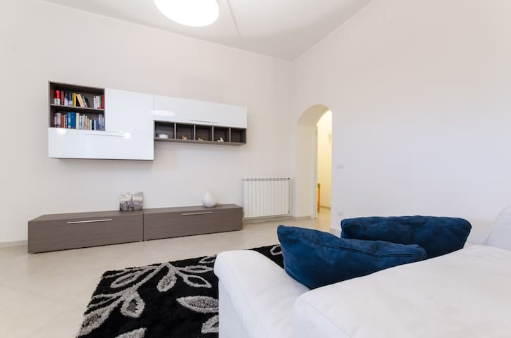 ... Elegant apartment in Via Del Mare ... - Rometta - Lägenhet