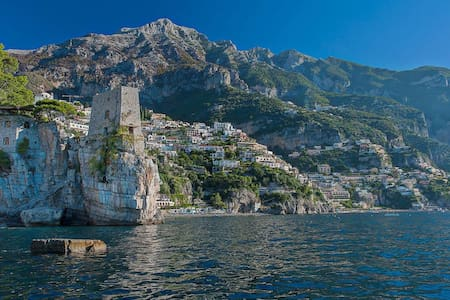 7 bd, historic tower, ocean views - Amalfi