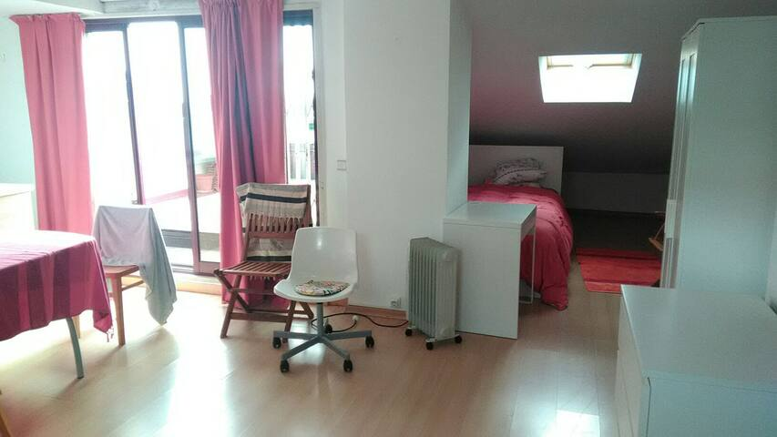 LOFT WITH TERRACE ALGES BELEM