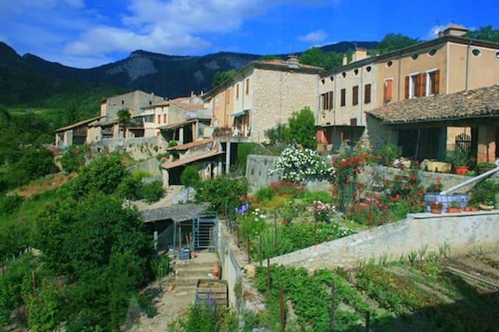 Charmante maison de village au pied du Vercors