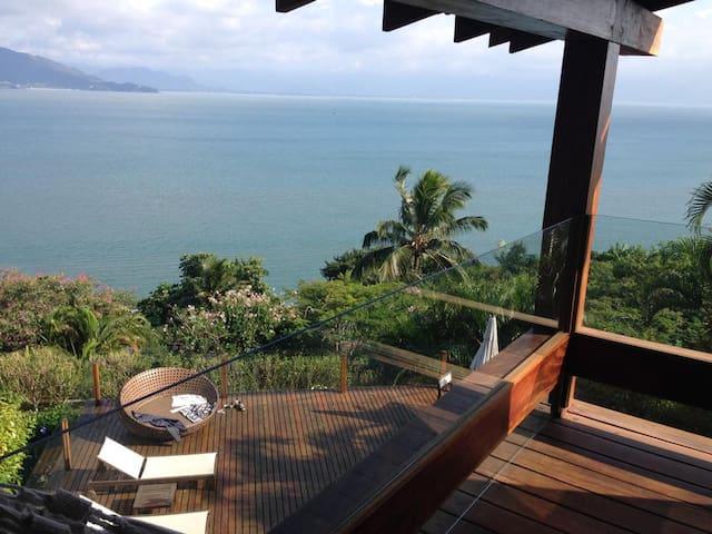 Casa ao norte da Ilha com impressionante vista!