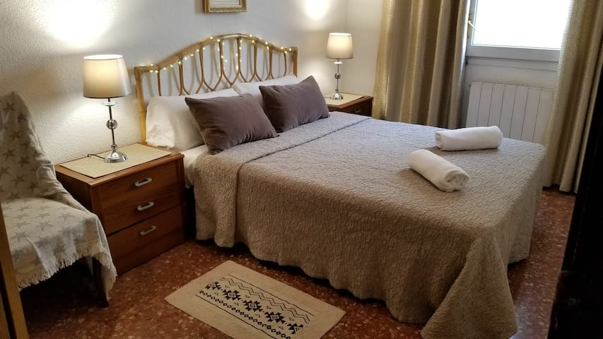 Lovely rooms in centric Barcelona, San Antoni