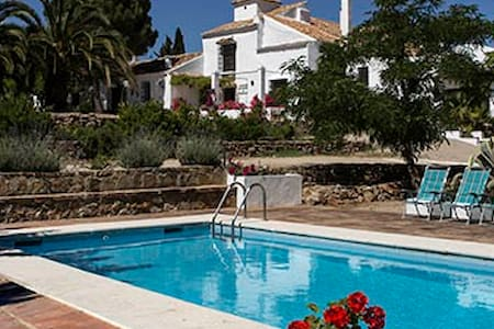 Large Spanish Farmhouse with pool - Campillos (Málaga) - Hus