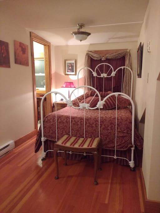 BEDROOM RED ROOM