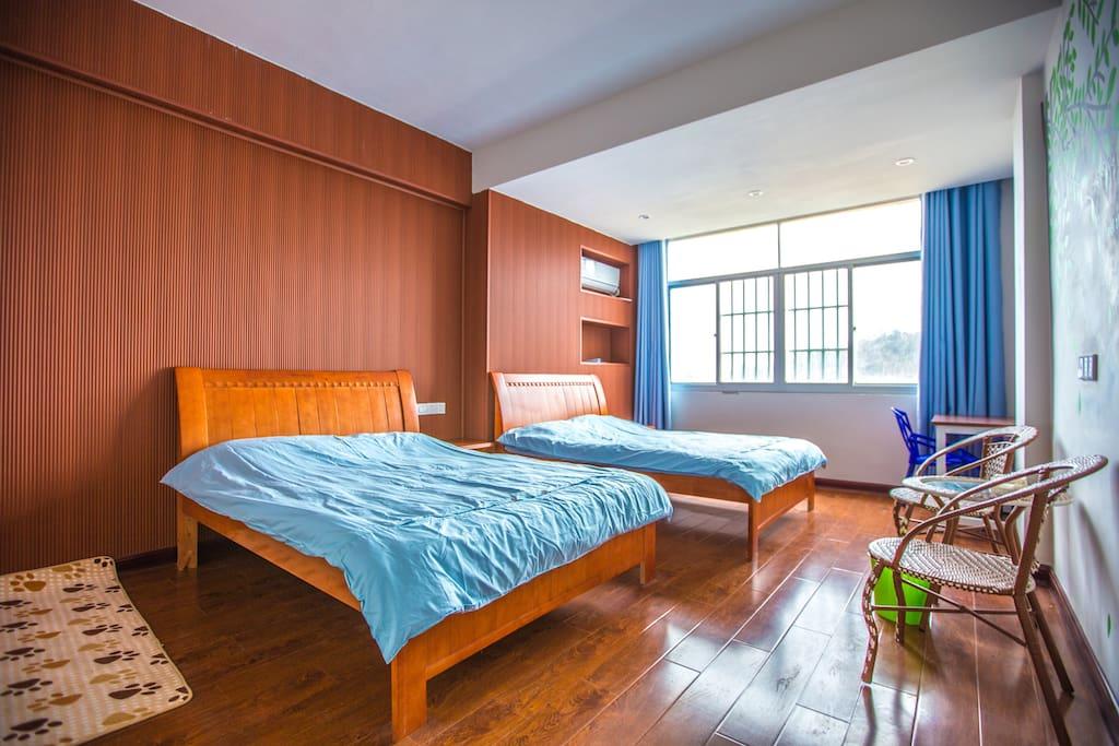 标间 1.5米两张床