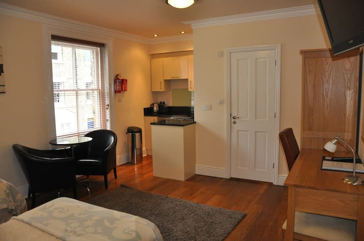 Cambridge City Centre Studio Apartment