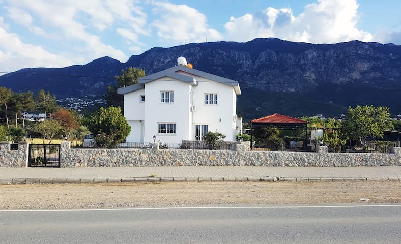 Beachside Villa in Lapta/Girne
