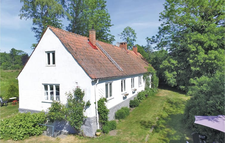Holiday cottage with 2 bedrooms on 94 m² in Ystad
