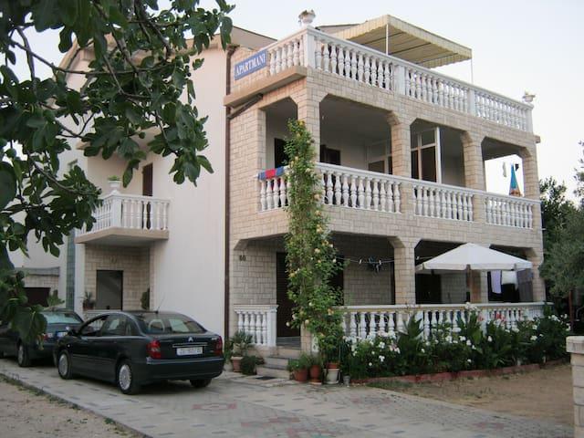 Studio apartman 1 - Tribunj - Casa