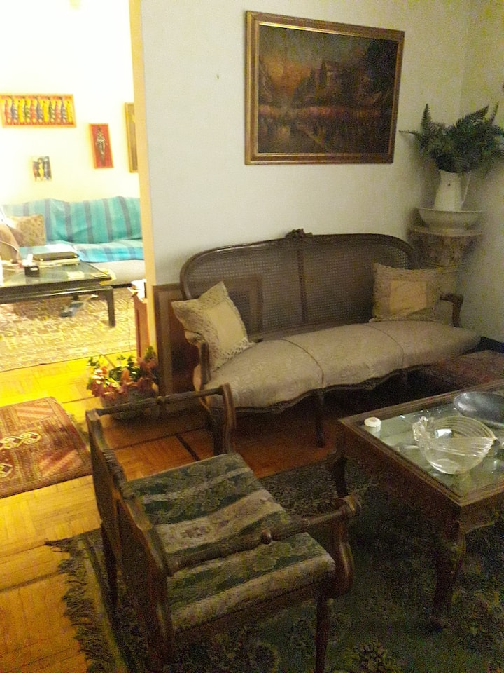 A cozy home central Cairo close to the Nile