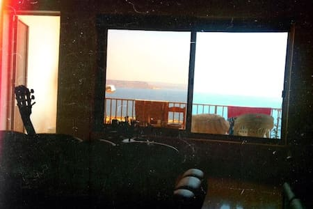 Room in spacious Gozo apartment w/fantastic views - Ghajnsielem