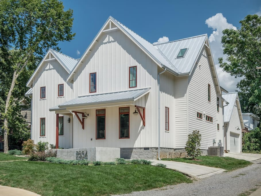 Gorgeous 12 South Modern Farmhouse Houses For Rent In
