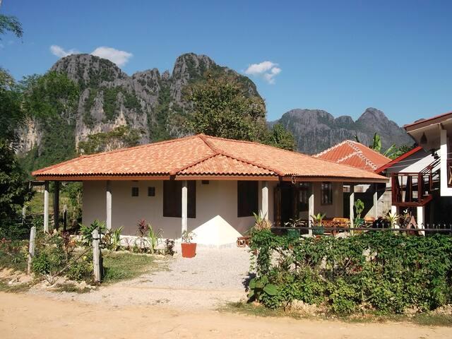 Villa Boa Lao guesthouse room 3 - Vang Vieng - Gjestehus