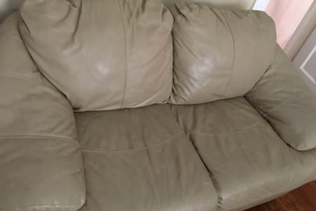 Small comfy sofa - Yonkers