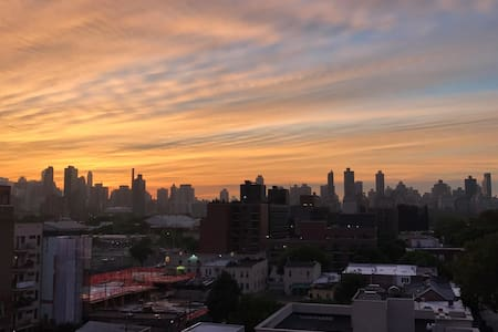 Private room in apartment with balcony - Queens - Departamento