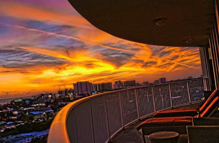 Sunset Paradise Penthouse!! The Palms of Destin
