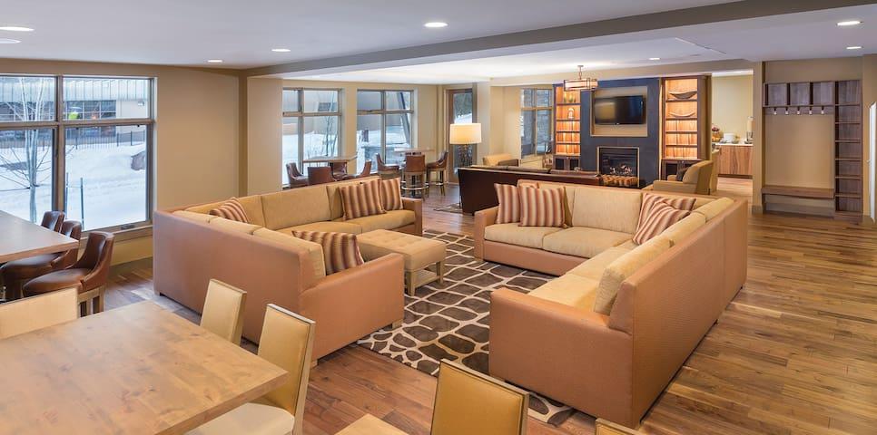 3BR Presidential Living Room