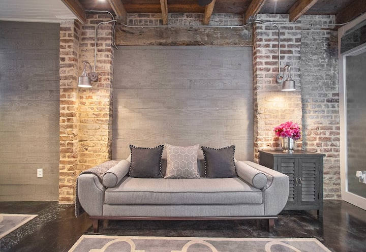 Flexible Refund Policies: Historic Home with Modern Upgrades