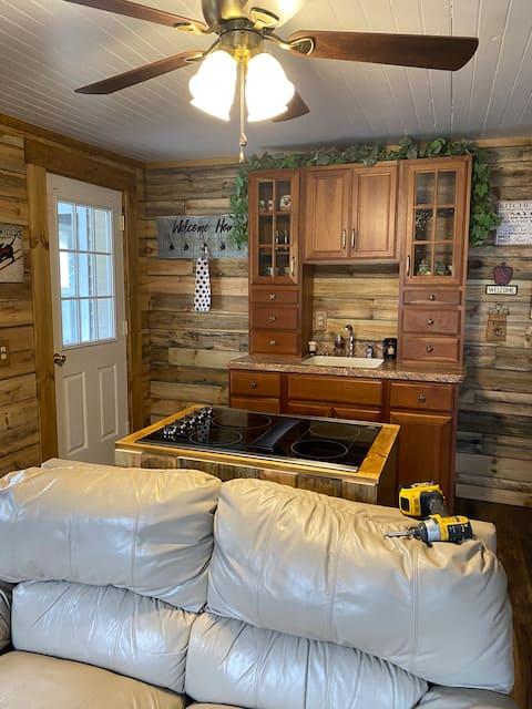 Farmhouse Cozy Apartment in the heart of Swain, NY