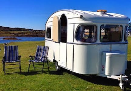 Jinny: Vintage by the beach Arisaig - Camper/RV