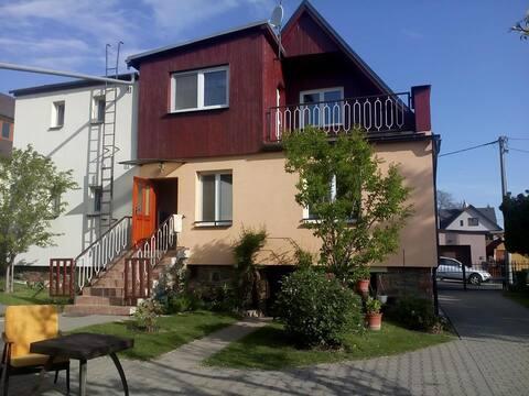 Dům se zahradou/ House with a garden