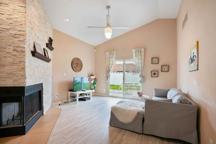 Charming house, 3 BR for 8 guest ★ near the Strip