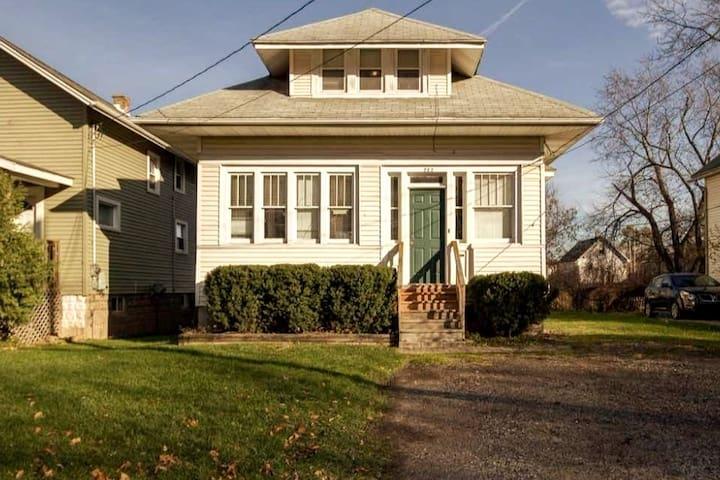 Mifflin house - big room #1