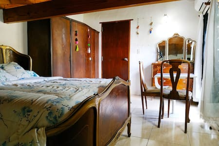 Habitación para 2 en hermosa casa en Madariaga!
