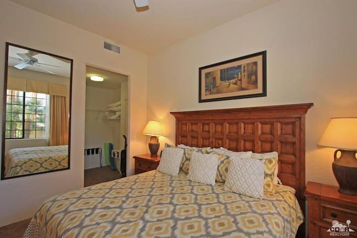 King sized bed with walk in closet