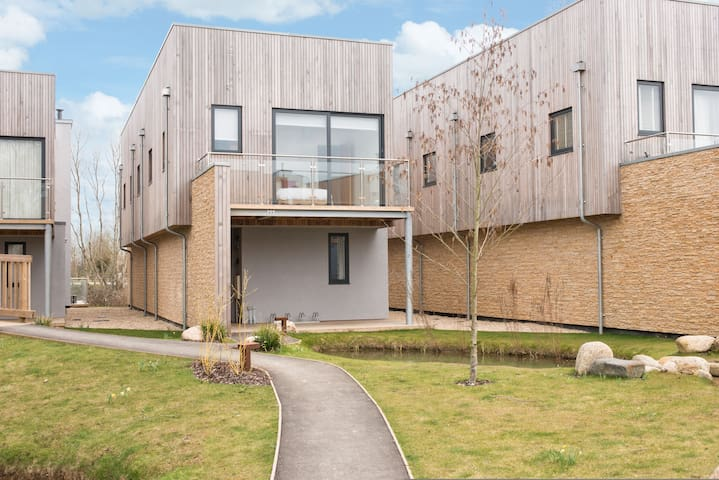 Water Garden 9, Luxury Spa, Nature Reserve, Family Friendly, Lower Mill Estate