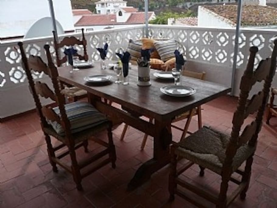 Top Terrace dining (Seats 6)