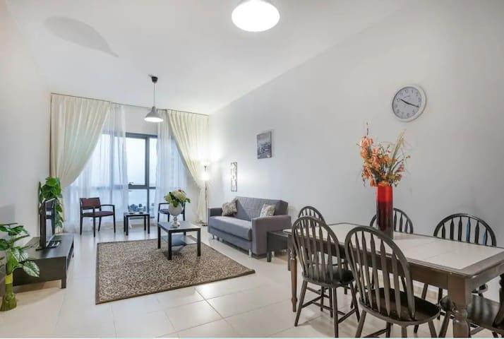 HUGE 3 Bedroom Apartment Beach Front 8th Floor