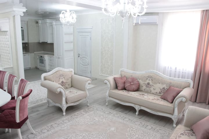 2 bdr apt. all amenities.In the center of Bishkek